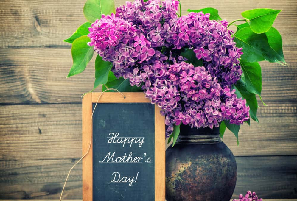 """Easy Ways to """"Green"""" Traditional Mother's Day Gifts"""